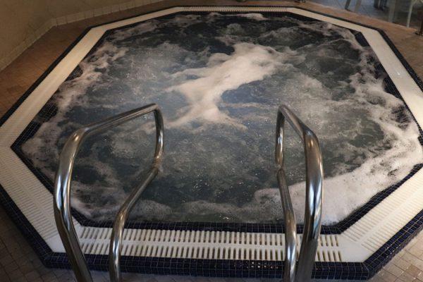 Bain à bulles mosaique massage forme octogonale 59 62